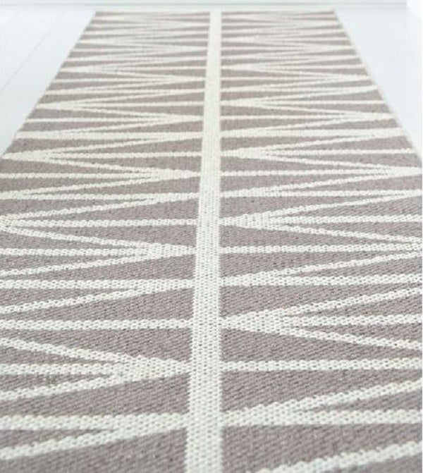 Image of Handvowen Plastic Rug &quot;Helmi&quot;, Flax
