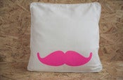 Image of Coussin moustachitO rose fluO ♥