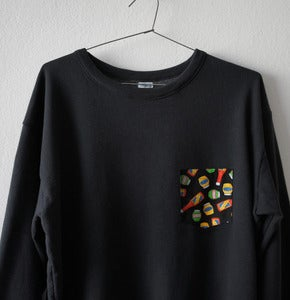 Image of SOUCES POCKET BLACK SWEATSHIRT