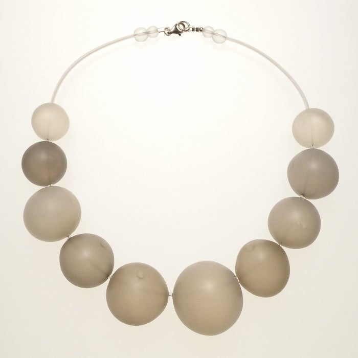 Image of EGGSHELL necklace/grey