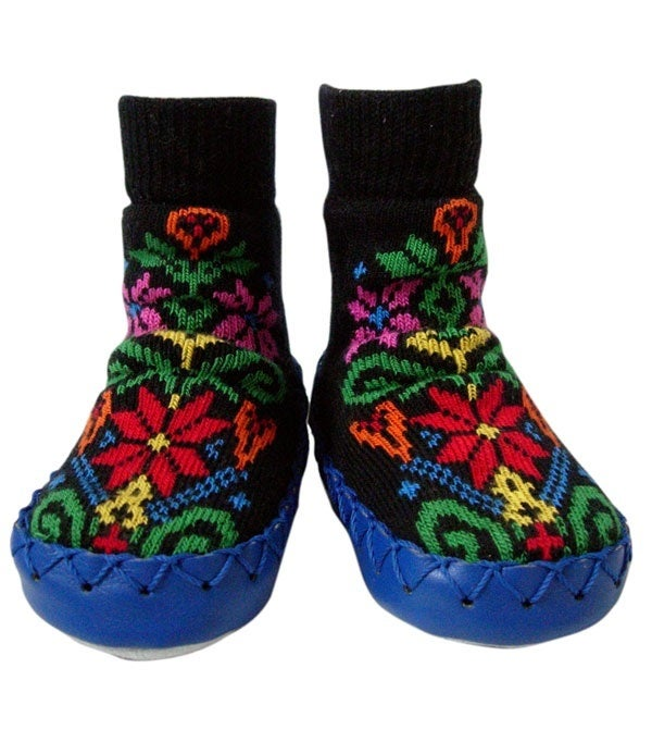 Image of Swedish Mocklis Moccasins -- Black Kurbits