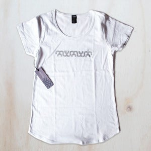 Image of Women's tee - White / silver plasma