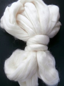 Image of 75/25 Organic Polwarth/silk, 4oz