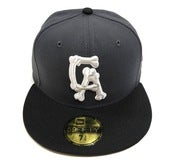 "Image of SO FRESH CLOTHING ""CALI TO THE BONE 2.O"" NEW ERA FITTED (CHARCOAL)"