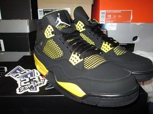"Image of Air Jordan IV (4) Retro ""Thunder"" 2012"