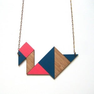 Image of Tangram necklace | Bird | Royal navy & neon pink
