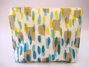 Image of Printed make-up pouch in taupe/yellow/blue