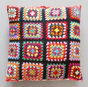 Image of COUSSIN CARR EN CROCHET GRANNY - REF.1132