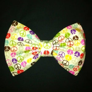 Image of Peace Sign Print Bow