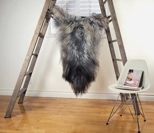 Image of Large Gray Sheepskin GR-265