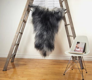 Image of Large Gray Sheepskin GR-258