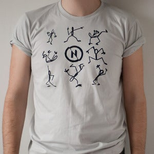 Image of Nabovarsel Tee