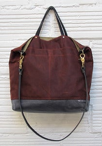Image of REVERSIBLE BAG *rust/gray & khaki*