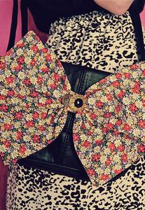 Image of Daisy Print Floral Bow Black Real Leather Bag