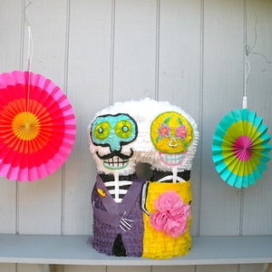 Image of Day of the Dead Couple Piata