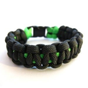 Image of Survival paracord bracelet (Charcoal/Green)