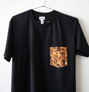 Image of DEERS POCKET TEE (black)