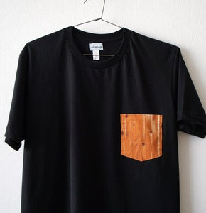 Image of WOOD POCKET TEE (black)