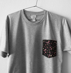 Image of LIBERTY FLOWERS POCKET TEE  (grey)