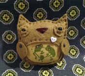 Image of Froggy Family Owl Brooch