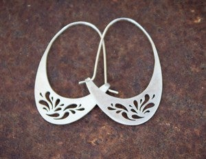 Image of Droplets Curve earrings