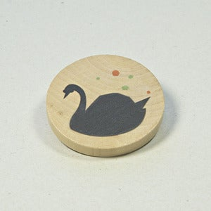 Image of Illustrated wooden brooch - Black Swan