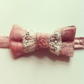 Image of MOTHER OF DALE'S CENTERPIECE BOWTIE