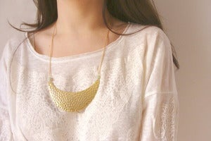 Image of Crescent Colgantes / Necklaces