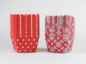 Image of Square Scallop Cupcake Cases
