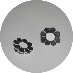 Image of Collar Adornmens: Monochrome 60s Flowers