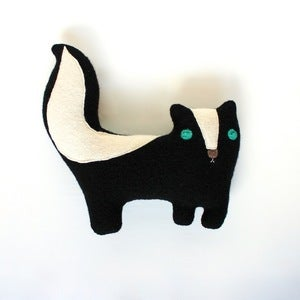 Image of Skunk Plushy Friend