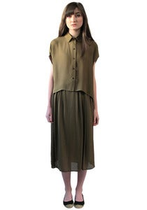 Image of OLIVE CROPPED BUTTON-UP