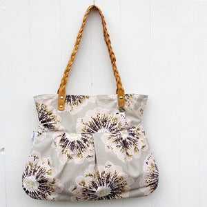 Image of Daily tote, paige, taupe